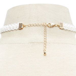 Forever 21 Jewelry - Forever 21 Faux Pearl Cameo Choker